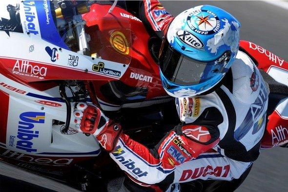 Carlos Checa knüpfte an den Triumphzug von Australien an und holte auch in Donington die erste Bestzeit - Foto: Althea Racing