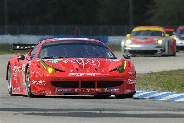 Luxury Racing überzeugte beim Vortest mit der schnellsten Zeit