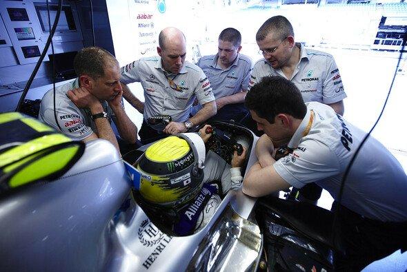 Bis alles so passt wie Nico Rosberg es haben will kann es eine Weile dauern - doch dem Deutschen stehen fähige Ingenieure zur Verfügung
