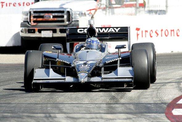 Mike Conway sicherte sich mit einer starken Aufholjagd nach einem verpatzen Boxenstopp auf dem engen Staßenkurs in Kalifornien doch noch seinen ersten IndyCar-Sieg