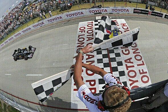 Conway holte sich in Long Beach den ersten Sieg