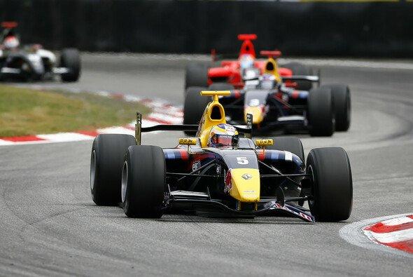 Jean-Eric Vergne darf sich über zehn zusätzliche Punkte freuen, nachdem ihm der Sieg in Monza zugesprochen worden ist