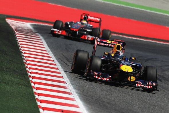 Läuft es wieder auf einen Zweikampf zwischen Vettel und Hamilton hinaus? - Foto: Red Bull