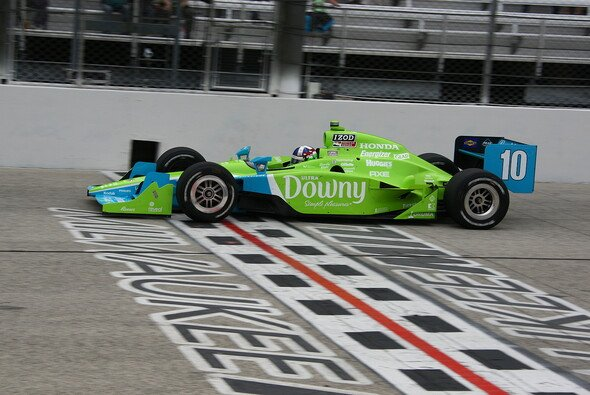 Dario Franchitti holte seine 26. Pole Position - Foto: IndyCar