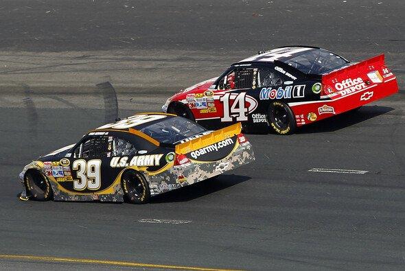Ryan Newman und Tony Stewart feiern ihren Doppelsieg - Foto: NASCAR