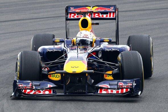 Sebastian Vettel fuhr an die Spitze - Foto: Red Bull
