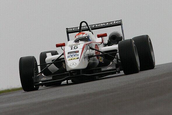 Felix Rosenqvist holte den bisher wichtigsten Sieg seiner Karriere - Foto: Formula 3 Euro Series