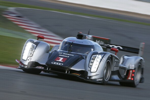 Audi verfehlte die Pole zwar knapp, ist aber mit Peugeot auf Augenhöhe - Foto: Audi