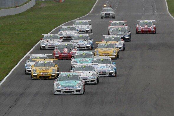 Das Feld des Porsche Carrera Cups bekommt wieder Zuwachs in Form von Porsche-Junioren