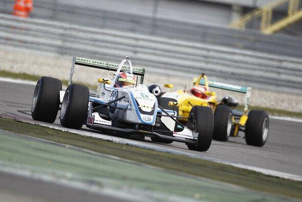 Formel-3-Cup Dominator Richie Stanaway reist zum Macau GP