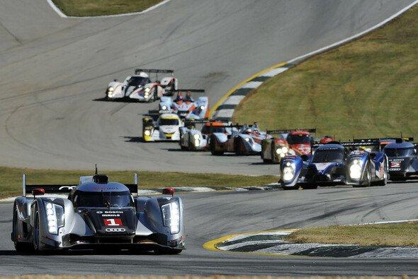 Die Audi-Piloten sind unglücklich über das Zweikampfverhalten auf der Strecke - Foto: Audi
