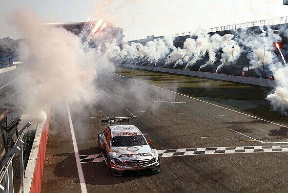 Mercedes hofft, dass es 2012 besser in der DTM läuft - Foto: DTM