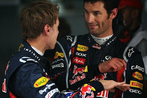 Sebastian Vettel und Mark Webber sprechen über die momentane Situation - Foto: Red Bull