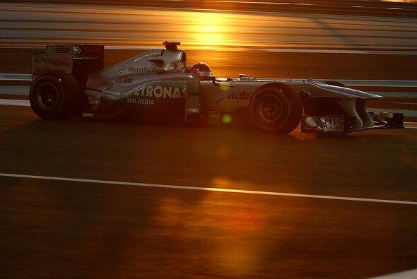 Der Große Preis von Abu Dhabi liefert neben tollem Motorsport auch spektakuläre Bilder