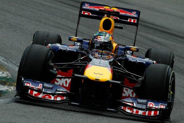 Dominanz pur: Sebastian Vettel im RB7 - Foto: Red Bull