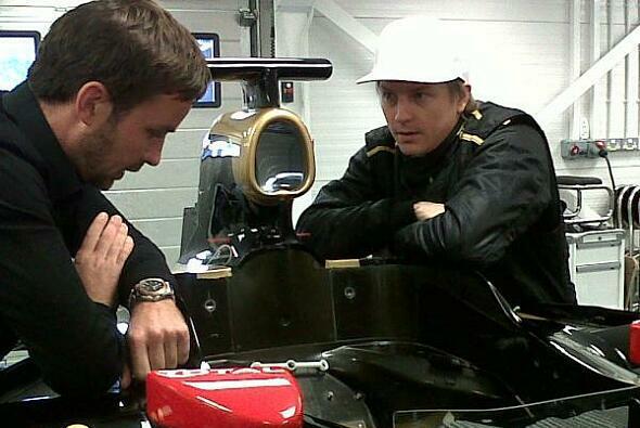 Kimi Räikkönen saß schon einmal Probe - Foto: Lotus/Twitter