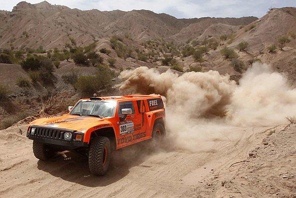 Diskutabler Fahrer im kontroversen Auto: Robby Gordon und sein Hummer H3