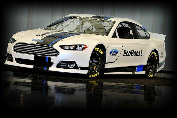 Ein Auto für die Fans: Der neue Ford Fusion Sprint Cup - Foto: Ford Racing