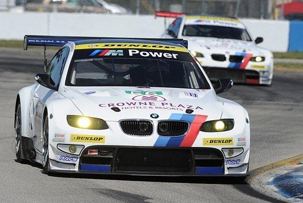 Die beiden BMW M3 von RLL fahren wieder auf Dunlop-Pneus - Foto: ALMS