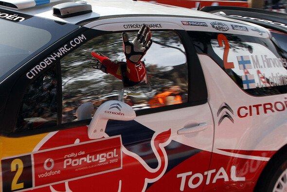 Mikko Hirvonen ist der einzige Werks-Pilot, der seinen Boliden auf der Strecke halten konnte