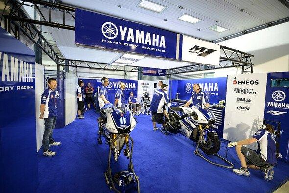 Das Yamaha-Werksteam wartet weiter auf einen Großsponsor