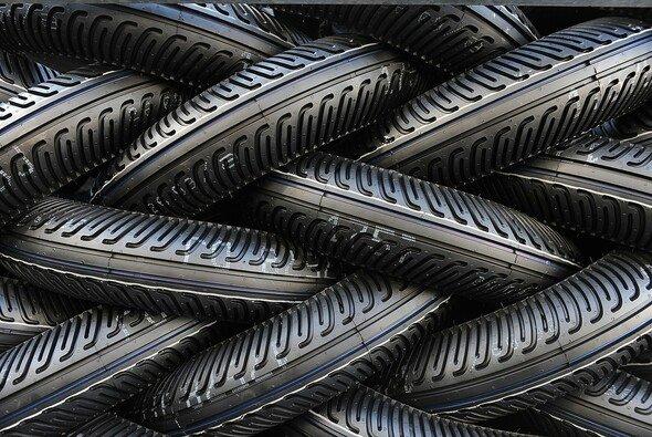 Pirelli liefert Extrareifen für die EVO-Klasse