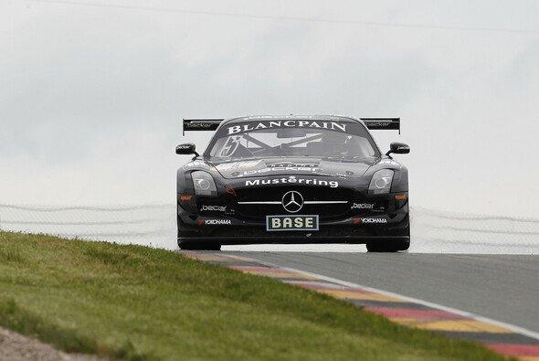 Asch/Götz fahren im Mercedes-Benz auf Doppel-Pole - Foto: ADAC