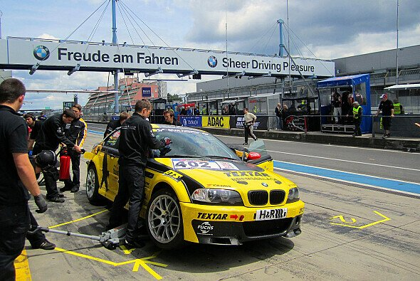 Der BMW M3 von Black Falcon lag bis zwei Runden vor Schluss in Führung