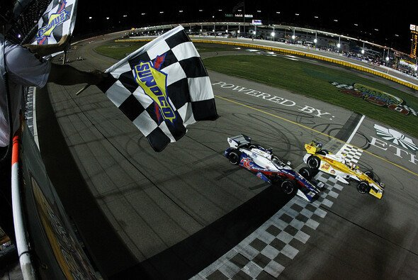 Das push-to-pass-System feiert sein Comeback - Foto: IndyCar/LAT USA