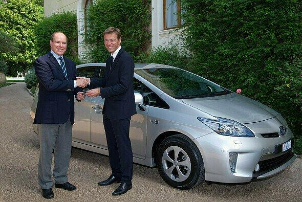 1. Hybrid-Prius Plug-in für Fürst Albert II. von Monaco