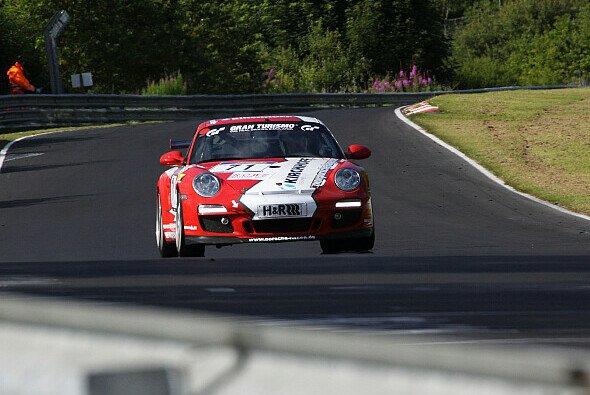 Die PoLe Racing-Porsche fuhren das bislang beste Saisonergebnis ein