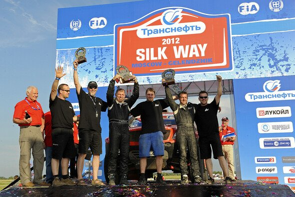 Das Podest der Silk Way Rallye 2012 in Maykop