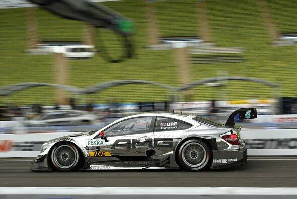 Schumacher und Green rasten zum Sieg - Foto: DTM