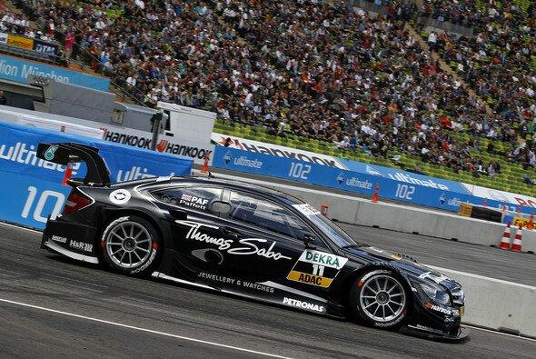 Auch wenn es mit dem Sieg nicht geklappt hat, waren die Mercedes-Fahrer gut gelaunt