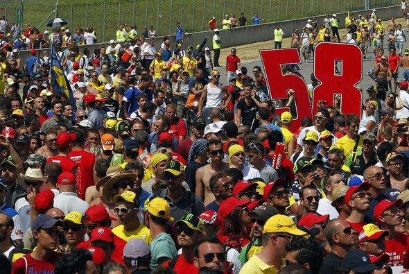 3000 Fans feierten den Tag, an dem Marco Simoncelli 27 geworden wäre
