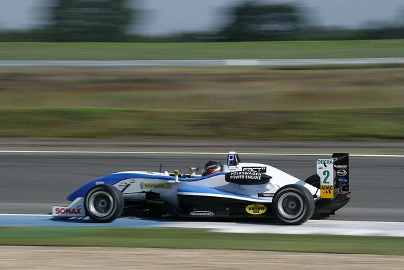 Lucas Auer hat sein Heimrennen in Österreich gewonnen