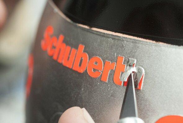 Michael Schumachers 2012er Helm hat nun einen neuen Besitzer.