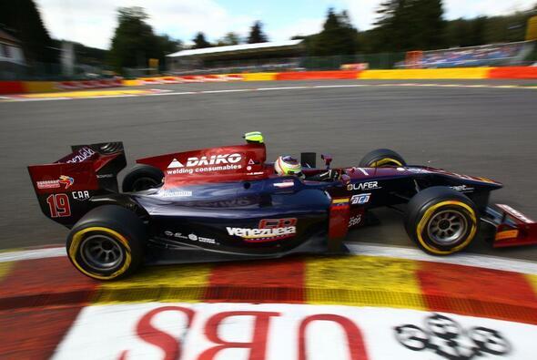Rene Binder steigt permanent in die GP2 auf