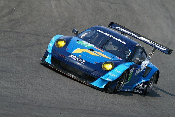 Erst als es kühler wurde, begannen die Reifen am Porsche 911 GT3 RSR zu funktionieren