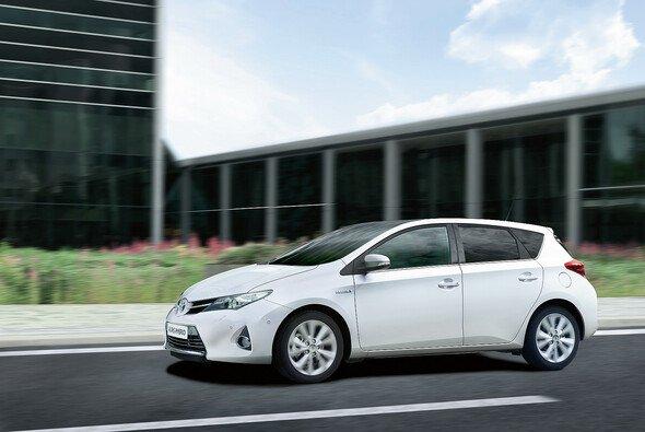 Toyota präsentiert auf dem Automobilsalon in Paris sein Produktprogramm in der Kompaktklasse
