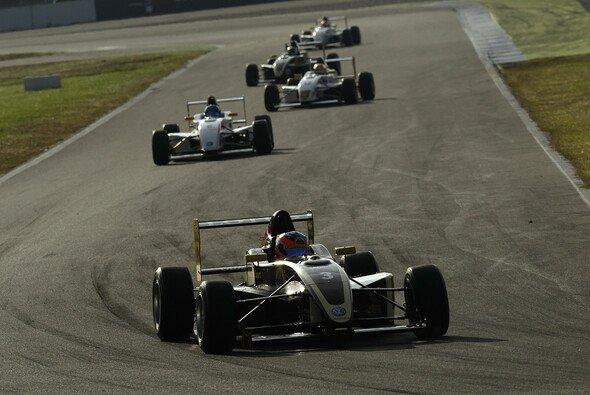 Marvin Kirchhöfer startet in beiden Rennen von Platz eins - Foto: ADAC Formel Masters