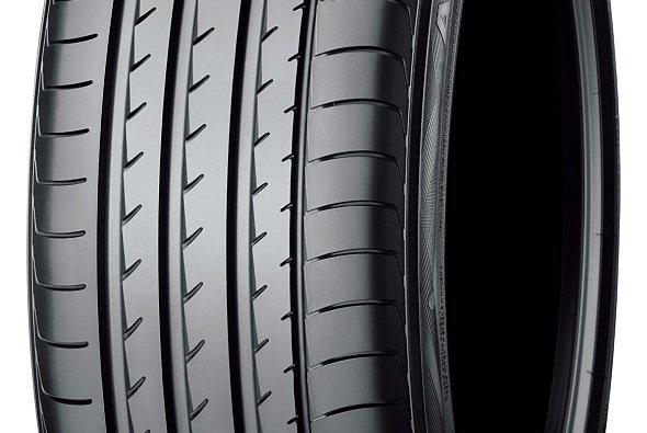 Die Pneus von YOKOHAMA werden noch einmal speziell auf das Anforderungsprofil der Mercedes-Modelle angepasst - Foto: Yokohama