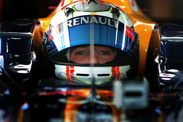 Im Red-Bull-Racing-Auto: Ricciardo bei einer Schauveranstaltung in Korea