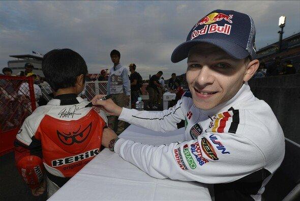 Stefan Bradl kommt bei den Fans gut an - Foto: LCR Honda