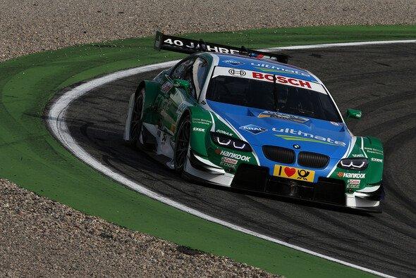 Augusto Farfus überquerte die Linie zwar nicht als Erster, zufrieden war er dennoch - Foto: BMW AG
