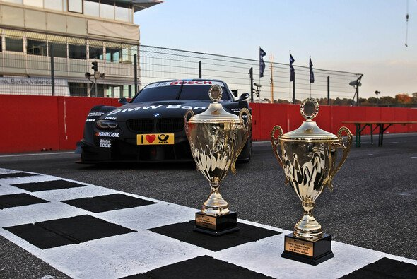 Diese Pokale gilt es 2013 für BMW zu verteidigen - diesmal in der Favoritenrolle