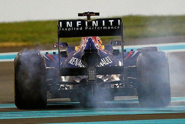 2013 wird der DRS-Gebrauch außerhalb der Rennen stark beschränkt - Foto: Red Bull