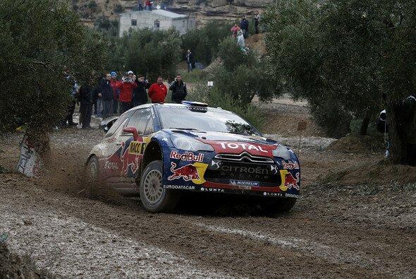 Es dauerte nicht lang und schon lag Sebastien Loeb wieder in Führung - Foto: Citroen