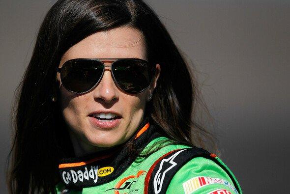 Danica Patrick ist immer ein heißes Eisen auf dem US-Fahrermarkt - Foto: NASCAR