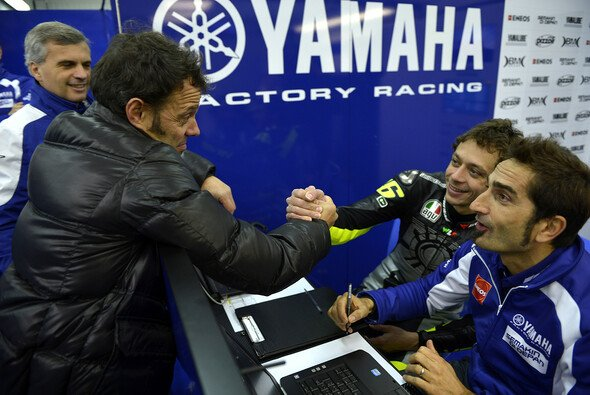 Valentino Rossi und Loris Capirossi sind gute Freunde
